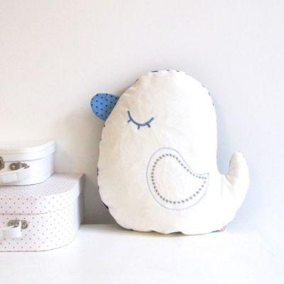 coussin-piou-blanc-et-bleu