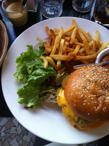 pausecafe-burger-charonne